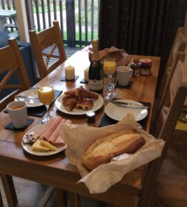 Champagne breakfast at Keldy forest