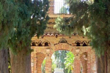 Beautiful Botanical Gardens Sicily. Folly in Taormina Public Gardens