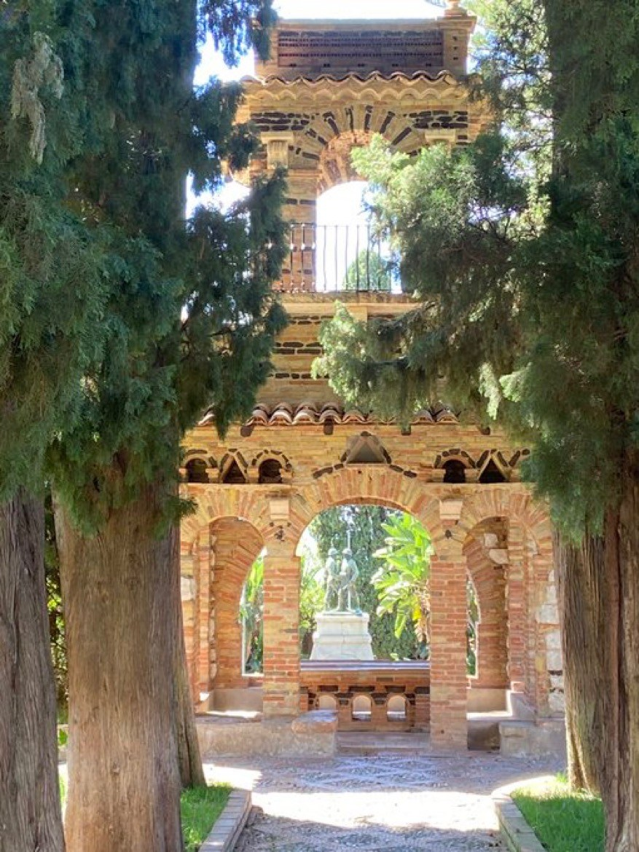 Collie in Taormina Public Gardens